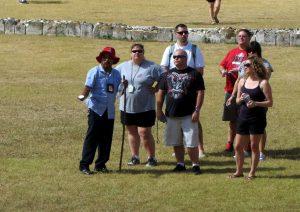 Guías turísticos con un grupo de turistas