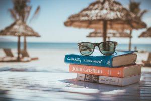 Libros, hamaca y gafas