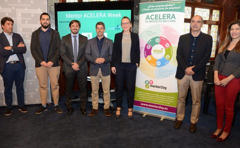 Foto de familia en la rueda de prensa de presentación de la Semana de Aceleración de Startups Turísticas que se celebrará del 6 al 12 de marzo en Tenerife.