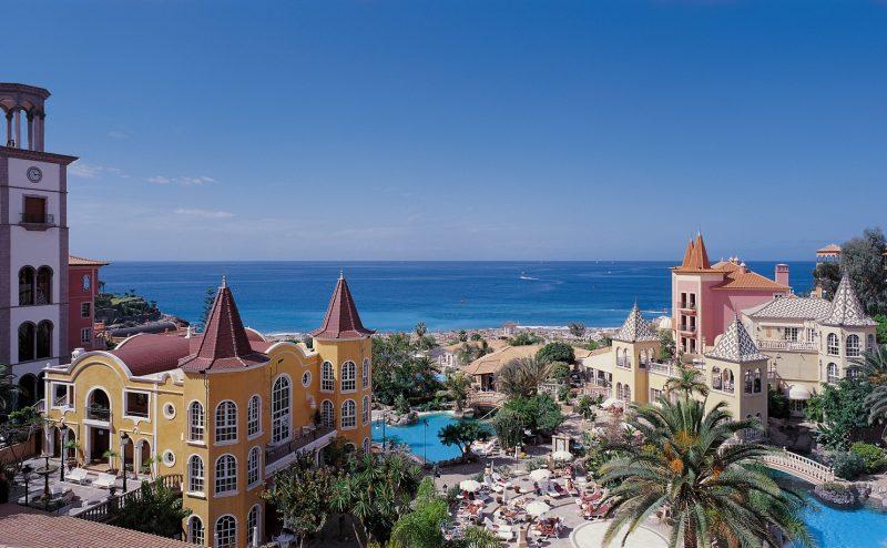 Hotel Bahía del Duque, establecimiento asociado de Ashotel.